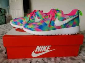 Nike Roshe One Print pink, green and blue UK 5.5