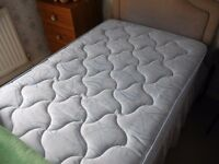 2 Single Beds in excellent Condition.