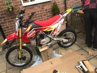 Moto Madness 125cc Big Wheel Pit Bike Motocross