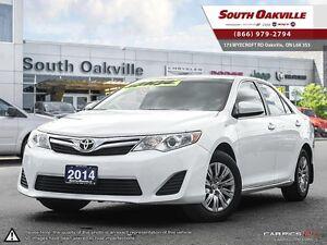2014 Toyota Camry LE | BACKUP CAMERA | BLUETOOTH Oakville / Halton Region Toronto (GTA) image 1