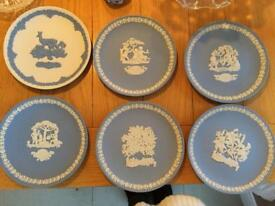 Mother's Day plates. Wedgwood. 1979. 1985. 1986. 1987. 1988. 1989.