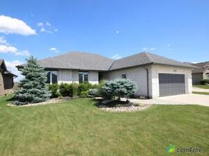 $399,900 - Bungalow for sale in Brights Grove