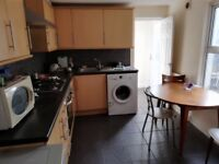 Stunning double room available in Plaistow only 125pw call now for viewings on 07903476502