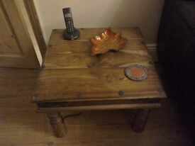 Lamp / side table