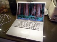 APPLE MAC BOOK PRO 15 INCH IN PERFECT WORKING ORDER