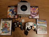Silver GameCube, with 2 pads and 4 games