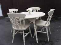 ** CIRCULAR DINING TABLE WITH 4 CHAIRS - BEAUTIFULLY RESTORED IN SHABBY CHIC COTTAGE STYLE **