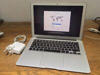 "Apple MacBook Air 13.3"" Early-2015 1.6GHz i5 Dual Core 128GB SSD 4GB MJVE2ZPA"
