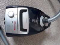 BOSCH HOOVER 2200W RRP £229.99 IN BLUE. BSGL5AL2GB