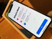 iPhone X (10) 64gb unlocked warranty 2019