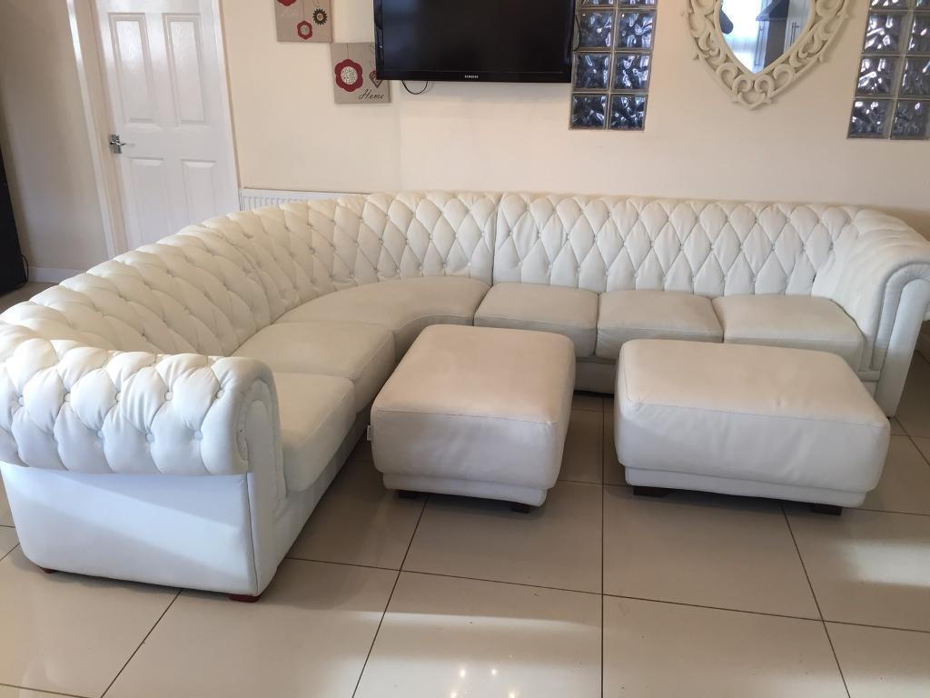 Stunning Large White Chesterfield 3 Corner Sofa With