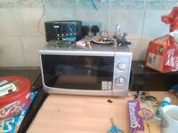 700w silver microwave.