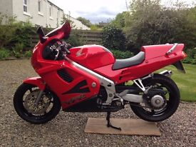 SOLD ! ----- RED Honda VFR 750 FS - LOW LOW Mileage for year and SUPERB Condition !!