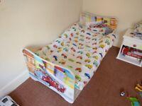 Child bed with mattress. Łóżko dziecięce wraz z materacem