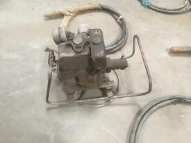 Concrete vibrating poker diesel engine