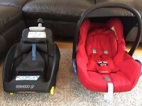 Maxi Cosi Cabriofix car seat and Easyfix isofix base in good condition