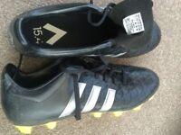 ADIDAS FOOTBALL BOOTS (BLADES) - SIZE 7