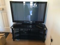 Panasonic Viera 42 Inch Plasma TV tx-p42c2b with black glass stand - Good condition