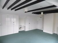Beautiful various room available from £70 pw - All inclusive