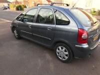 2006 Citroen xsara Picasso 1.6 Petrol 11 months mot and very very nice condition any test welcome
