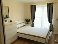 Comfy modern double room for rent near Stratford station