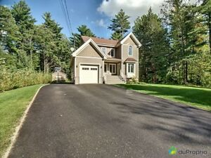 420 000$ - Maison 2 étages à vendre à Orford