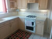 Kitchen Units and appliances including two Grohe taps, and Artisan gas cooker, oven and grill