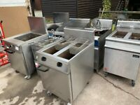 GAS TWIN TANK FRYER CATERING COMMERCIAL KITCHEN FAST FOOD KITCHEN TAKE AWAY