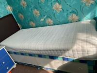 Shorty divan bed base with storage