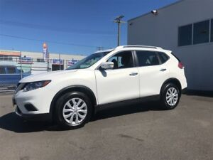 2014 Nissan Rogue S Sport Only 82,000Km, Low Monthly Payments!