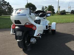2011 Can-Am Spyder® RT Limited - SE5 London Ontario image 3