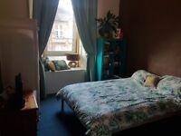 Lovely 2 bedroom corner flat in Dennistoun