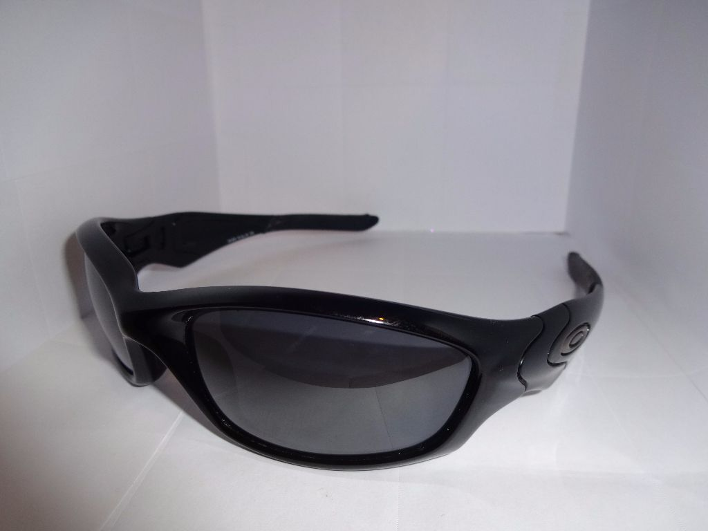 ad40a35bb5 100% Authentic OAKLEY Straight Jacket Sunglasses 9039 04-325