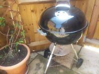 WEBER 57CM PREMIUM BBQ - BLACK USED ONCE