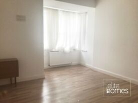 Large ground floor front self contained Studio Flat in Winchmore Hill, N21