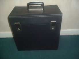 VINTAGE / RETRO 12.INCH VINYL BLACK PORTABLE-RECORDS CASE-EX