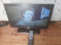 """for sale 19""""; hd led widescreen tv with freeview and remote £25"""