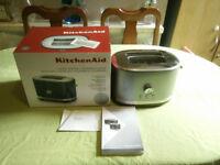 New KitchenAid Manual Control Toaster, Contour Silver