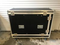 Flight case with racking