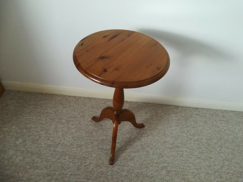 Incredible Small Round Pine Table 15 1 2Diameter In Hereford Herefordshire Gumtree Alphanode Cool Chair Designs And Ideas Alphanodeonline