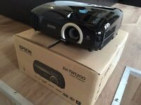 Epson EH-TW5200 1080p Full HD 3D (Gaming) Projector - Few Months Old - Box Opened