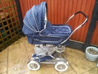 silver cross 2 in 1 pram in excellent and clean condition Bargain £100