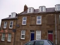 To let Top Floor One Bedroom Flat in quite location in Central, Arbraoth