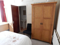 Double En-Suite Rooms available in Student House Share