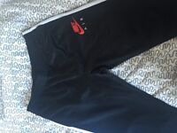 Mens nike tracksuit bottoms ( slim fit ) large