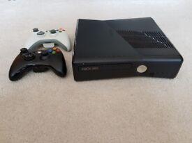 XBOX 360 Slim 4GB + 69 Games