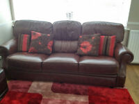 leather sofas 3+2+1 in verry good condition around 3 years old
