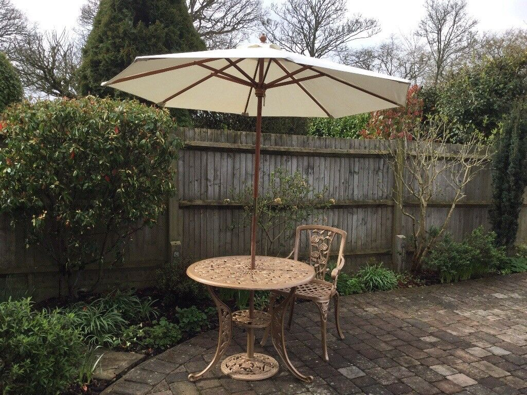 Reduced simply lovely gold coloured garden furniture set round reduced simply lovely gold coloured garden furniture set round table chair parasol base workwithnaturefo