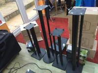 2pairs of speaker stands