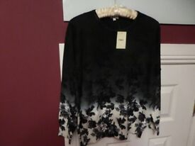 LADIES BLACK & WHITE LONG SLEEVED ROUND NECK JUMPER BY TEXT - SIZE L- BNWT